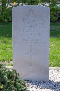 O71 Walker Colin_02